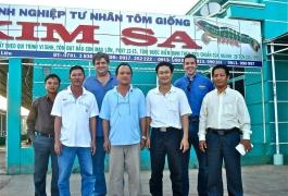 Cùng các chuyên gia của Zeigler tại trại giống Kim Sa - Bạc Liêu - Năm 2011