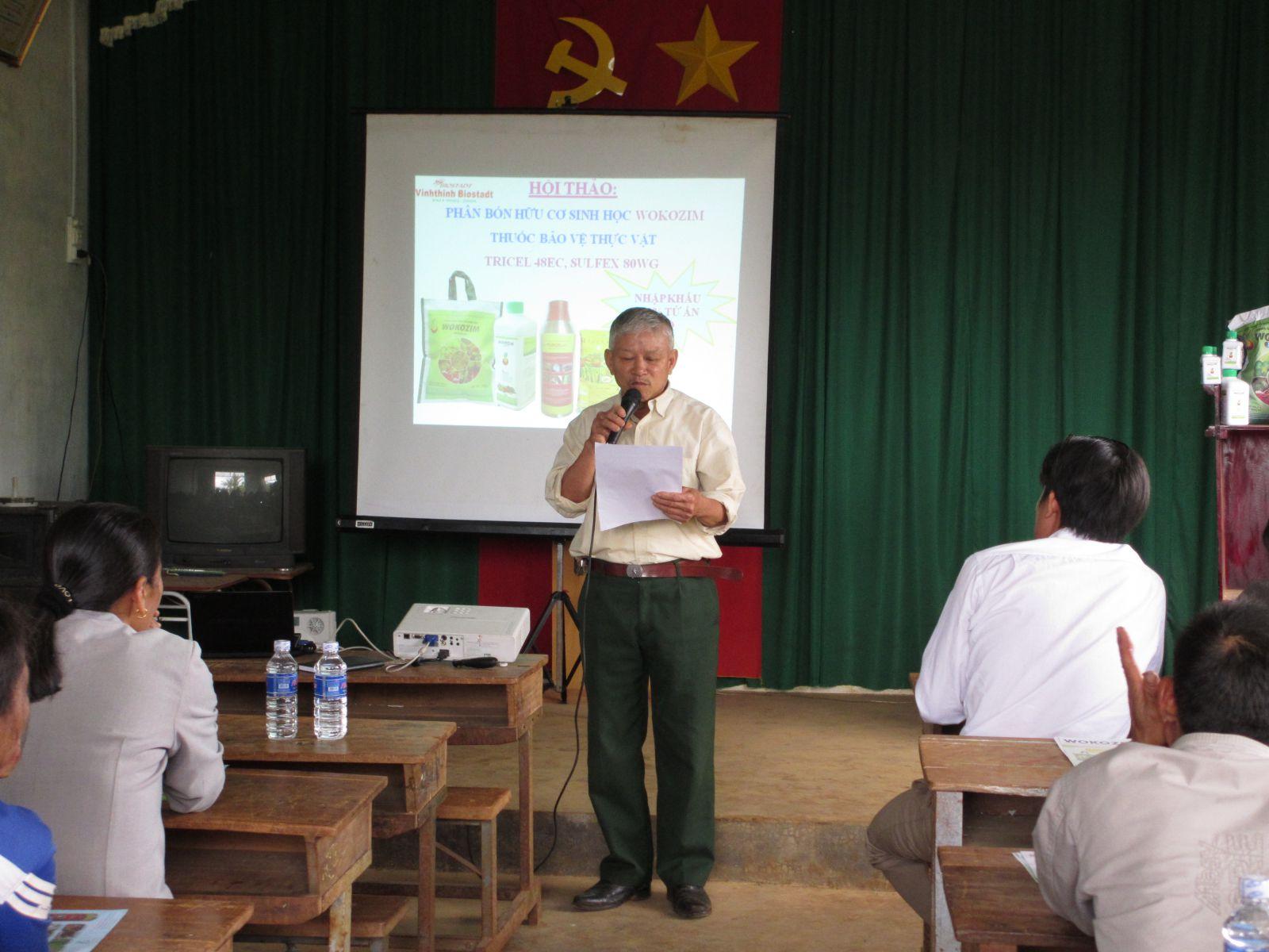 Bác Nông dân sáng tác thơ tặng WOKOZIM  tại hội thảo Lâm Đồng